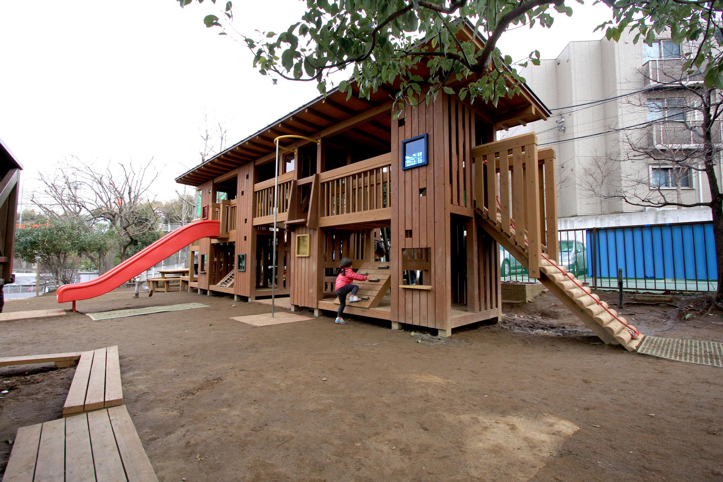 幼稚園 大型遊具
