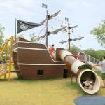 帆船型遊具