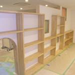 壁裏は本棚です。
