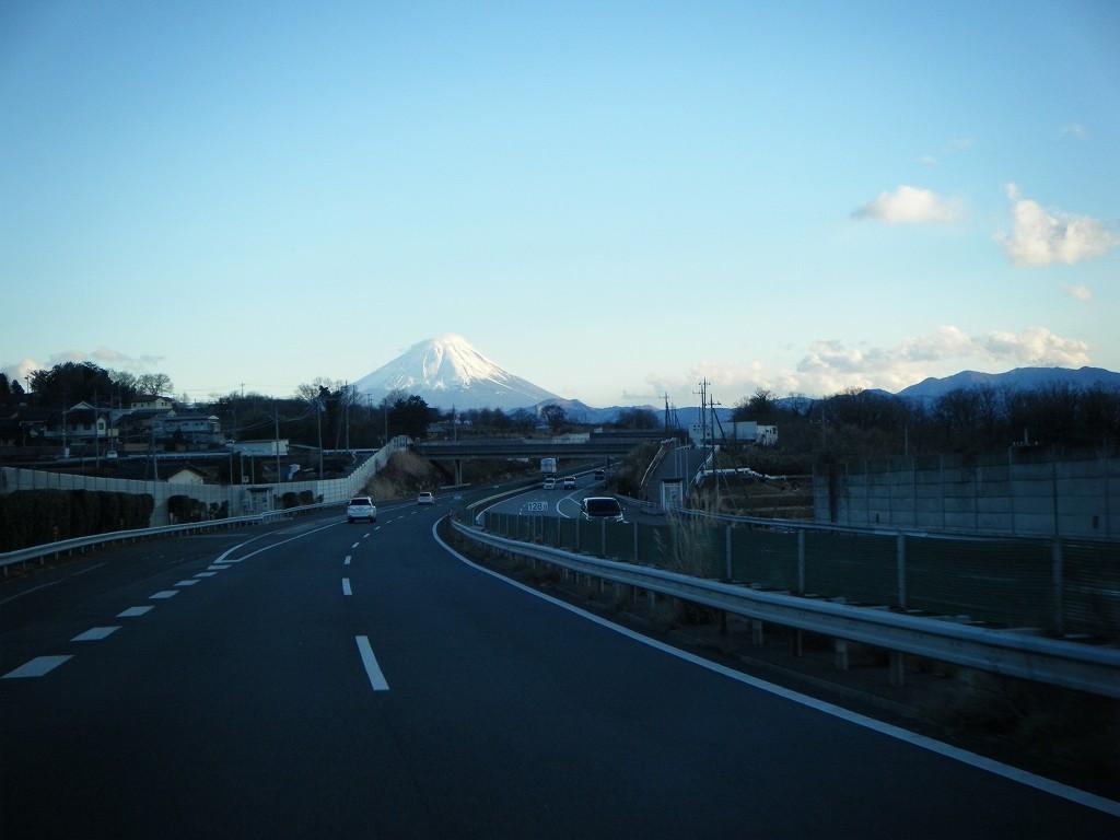 中央道からみた富士山